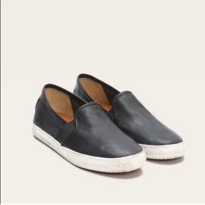 NWT Frye Slip On Black Leather Shoes size 9.5